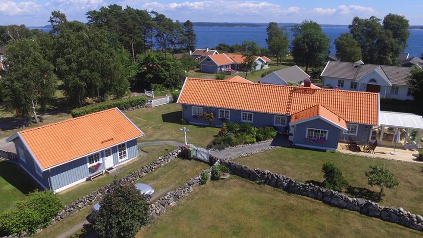Hus i Onsala med vackert tak från svenska Vittinge.