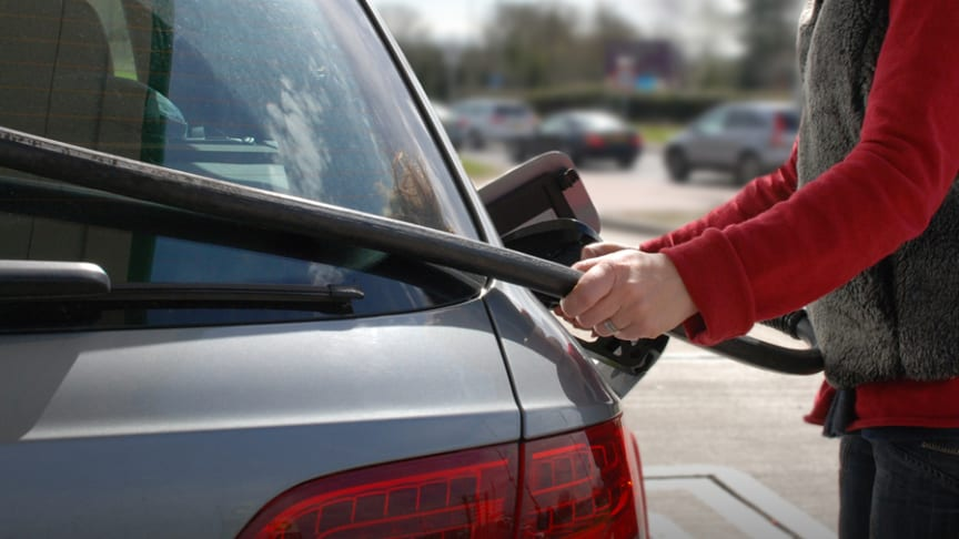 RAC reacts to today's supermarket fuel price cuts