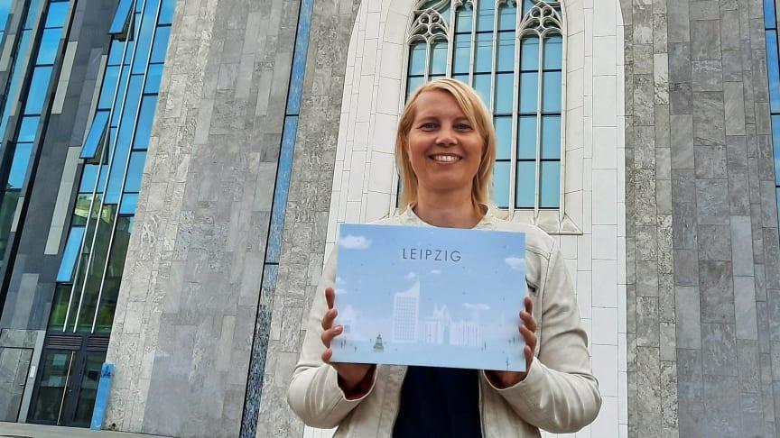 Daniela Neumann präsentiert den Adventskalender Leipzig, der von ihr in Form eines Stadtrundgangs konzipiert wurde