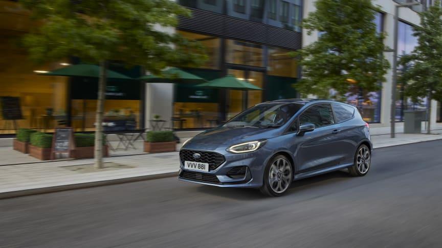 Fordin uusi Fiesta Van tarjoaa näyttävää muotoilua, uutta teknologiaa ja kevythybridivoimansiirron pienten pakettiautojen luokkaan