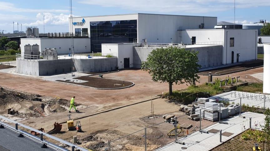 Den nya inloppsbyggnaden på Sjölunda avloppsreningsverk, Malmö. Där sker den första grova reningen av avloppsvattnet.