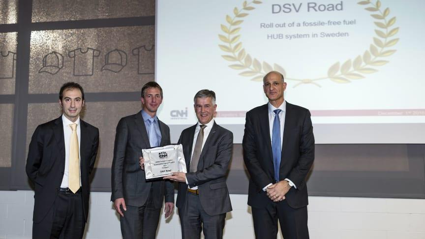Receiving the award (from left to right): Fabrizio Sanna, Head of EMEA Logistics Contracting (CNH), Crispijn Roos, Global Account Manager (DSV), Wilbert Tholhuijsen, Divisional CCO (DSV Road), Dror Noach, VP Global Logistics (CNH)