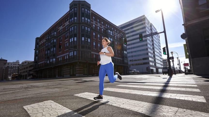 Journée mondiale de la course a pied: Garmin lance la Forerunner 55, une montre de running connectee pour un style de vie sain et equilibre