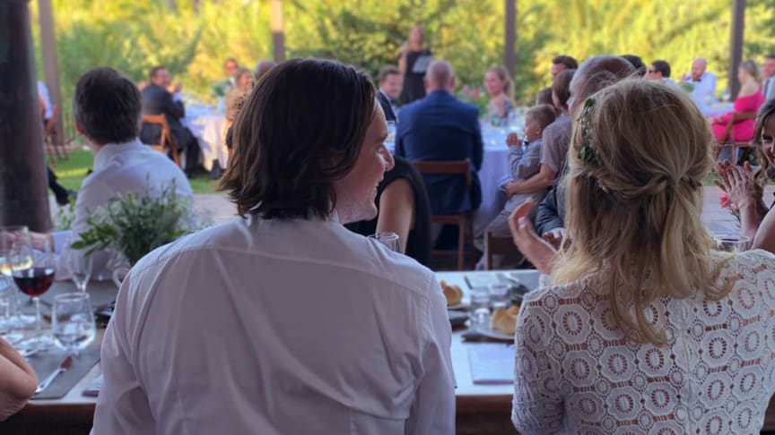 Sanna och Peter klimatkompenserade sitt bröllop genom Vi-skogens klimatkalkylator. Foto: Privat