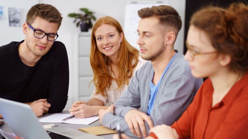 Medborgarskolan och Unga Aktiesparare ska samarbeta kring utbildningar om aktier och privatekonomi.