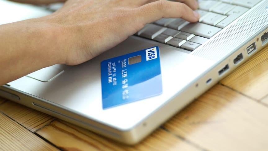 Přechod na bezhotovostní platby by Praze přinesl  33 miliard korun, ukazuje studie Visa