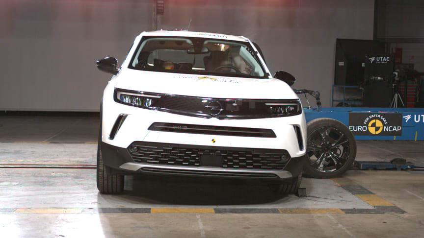 The Vauxhall Mokka in side impact testing