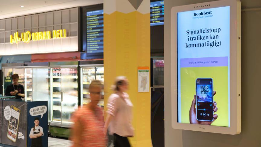Sommarens 50 populäraste ljudböcker - se vad Sverige lyssnar på i sommar