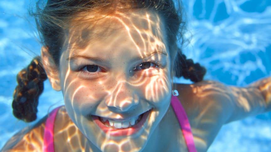 Regeringen skjuter till 300 miljoner för att öka simkunnigheten