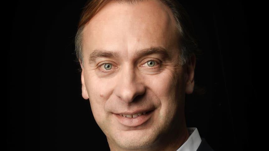 Zum 1. September 2021 übernahm Martin Zouhar (50) als neuer 'Executive Vice President SEB Professional PCM und Hotel' die Leitung des Kaffeemaschinenund Hotelgeschäfts der WMF und verantwortet damit die Marken WMF, Schaerer, Curtis und HEPP im Profe
