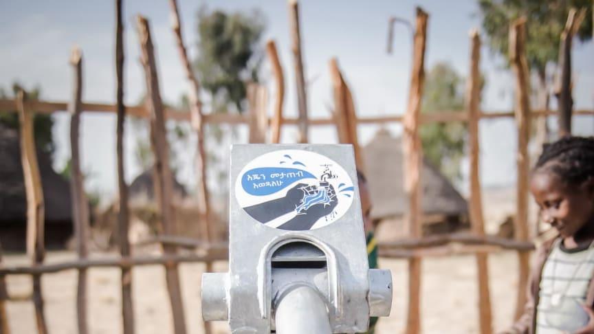 """Brunnen in Äthiopien mit """"I love washing hands""""-Kampagne"""