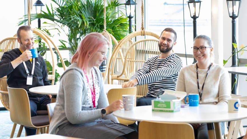 Täysin uudet toimistot ovat odottaneet 1,5 vuotta lähes tyhjillään - toimistoille palaavat etsivät ensimmäisenä työpisteensä