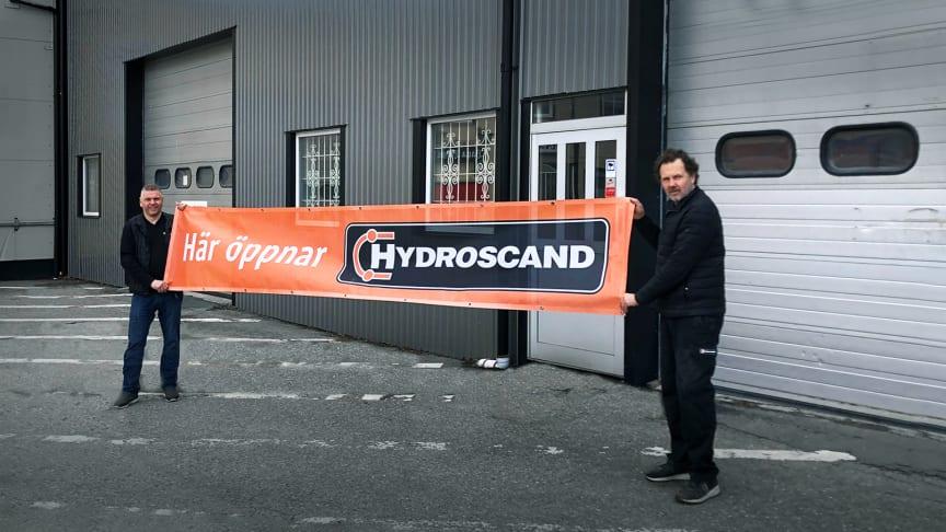 På bilden fr. v. Lars Forsberg, regionchef Västmanland och Peter Norrström, platschef Enköping på Hydroscand.