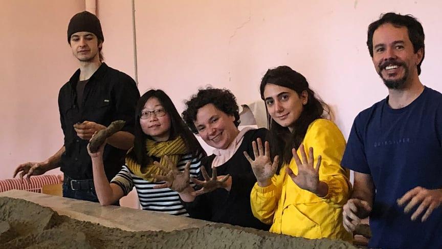 Students of the English Studies at the Goetheanum (Photo: Edda Nehmiz)