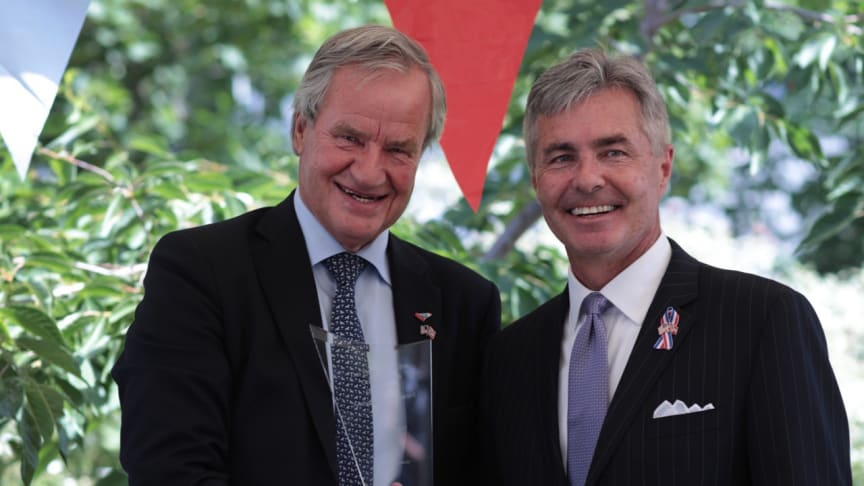 Norwegian's CEO Bjørn Kjos was awarded the 2018 Ambassador's Award by Kenneth J. Braithwaite, the United States Ambassador to Norway