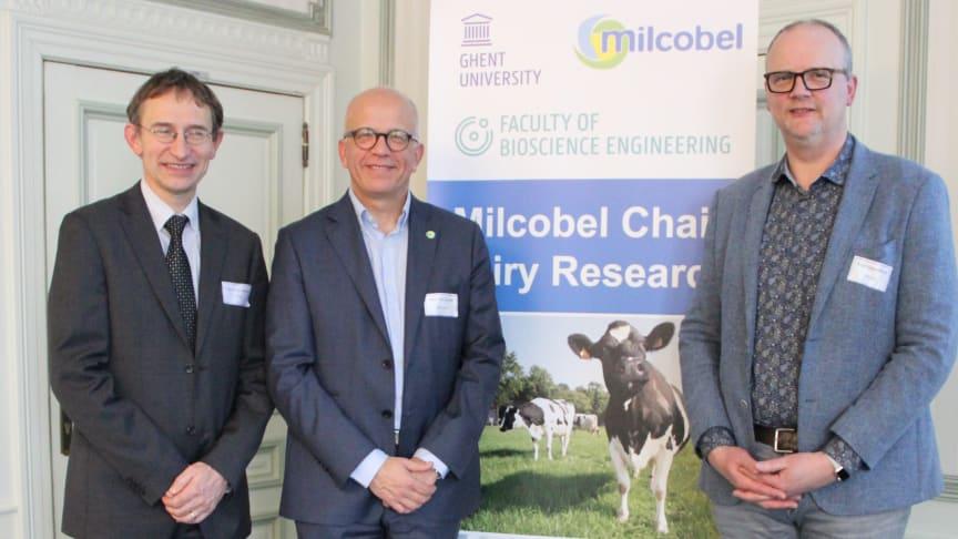 Van links naar rechts:  Prof. Paul Van der Meeren (UGent), Dirk Van Gaver (Milcobel Innovation & Technology Director) en prof. Koen Dewettinck (UGent)