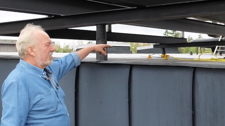 Gardenalösning på taket som kylning av kylmediekylaren. Inte bra!