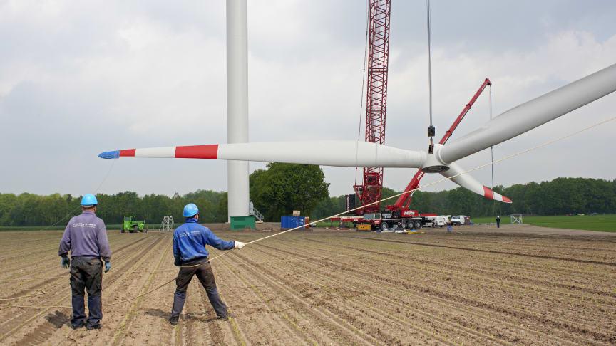 Bau einer Windkraftanlage. Foto: Sabine Vielmo / Greenpeace Energy eG