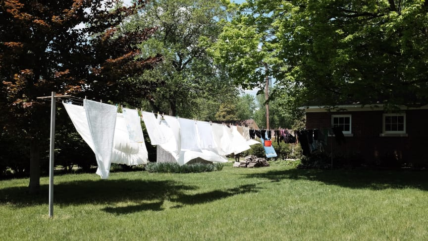Sådan får både naturen og dit tøj kærlighed: Fem smarte vaskehacks