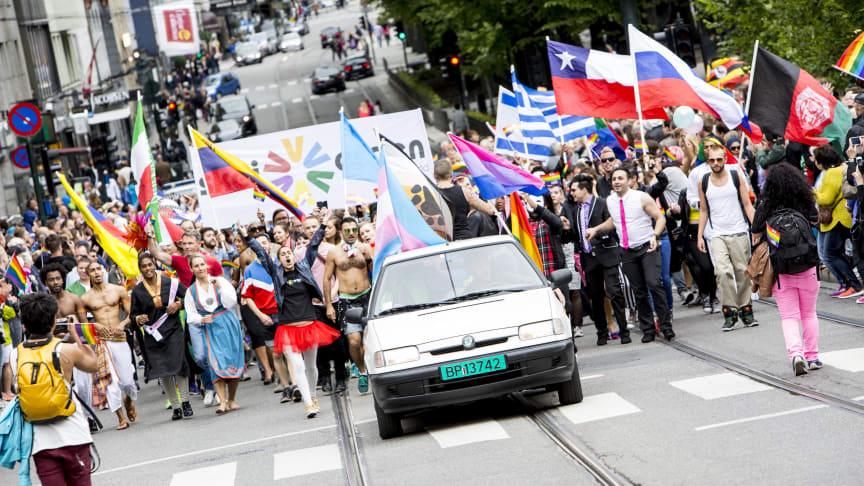 Bli med Oslo Pride  i 2016 - sjekk ut alle frister