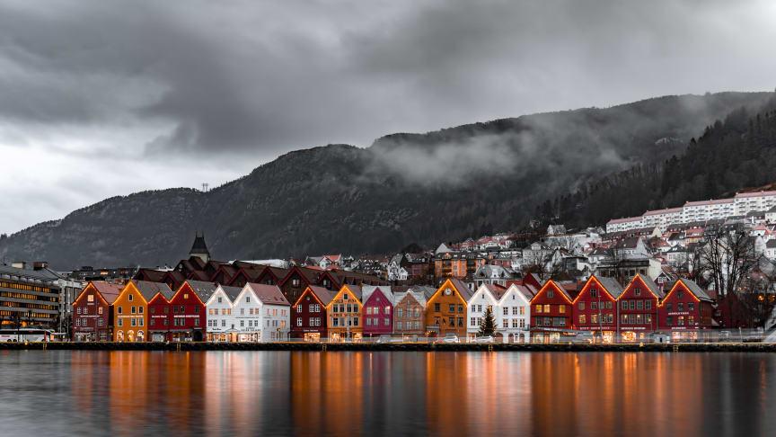 Telenor har 5G-dekning i det aller meste av Bergen sentrum, og har store planer fremover (Foto: Michael Fousert/Unsplash)