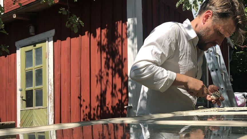 Att renovera fönster behöver inte vara svårt. Med lite hjälp kan även den ovane få fina fönster!