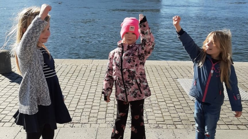 Förskolebarn i Stockholm på Världsröstdagen 2021. Foto: Musikaliska