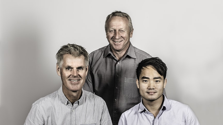EINAR THORÉN (LEFT), TERJE GRAVDAL AND THAISON VU SEE POSSIBILITIES IN VIETNAM. Photo: Trainor AS