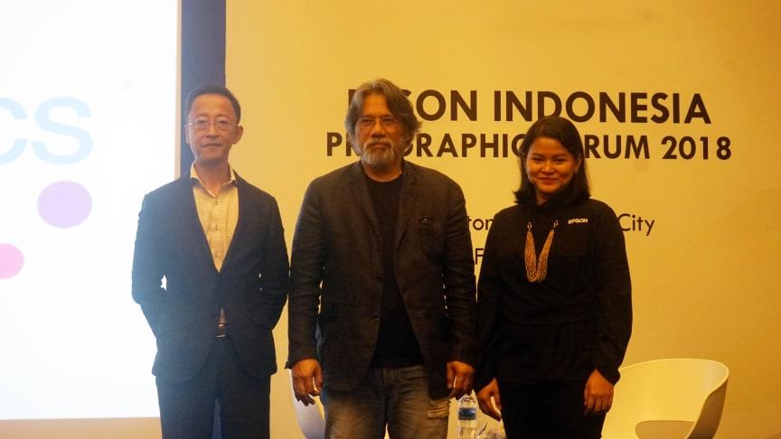 Shimizu Tomoya, Country Manager Epson Indonesia (kiri). Darwis Triadi, Fotografer (Tengah). Lina Mariani, Product Marketing Commercial & Industry Manager (Kanan)