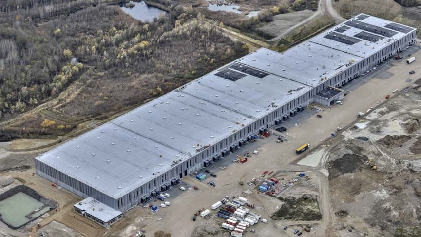 The first of four planned warehouse buildings on the Hedeland plot in Denmark