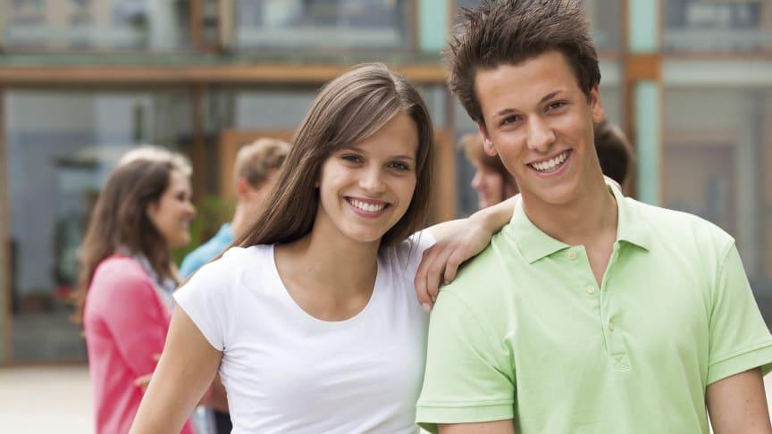 """Mit der Aktion """"Junge Leute"""" eröffnet die SIGNAL IDUNA einen Einstieg in den Einkommensschutz. Foto: MEV"""