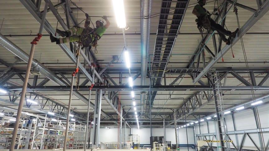 Klätterservice utför hantverksuppdrag från rep.