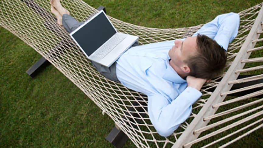 Många av Sveriges småföretagare vill ha längre semester.