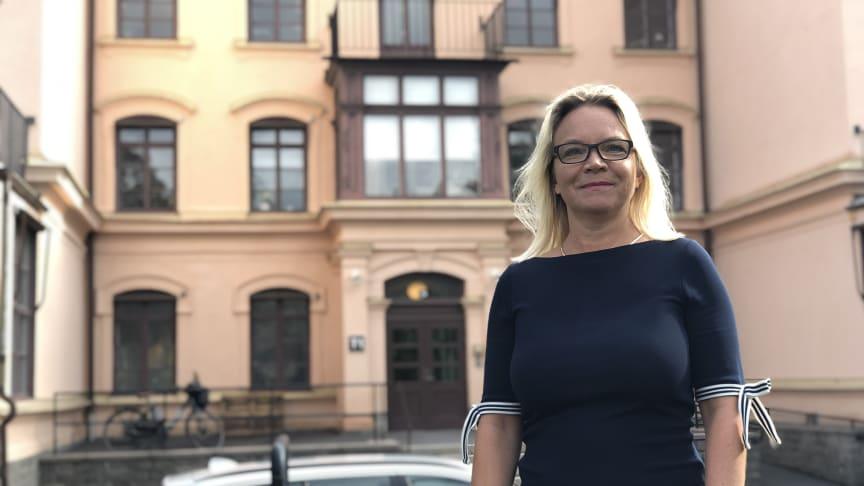 Charlotte Broberg (M) utanför Eugeniahemmet T1