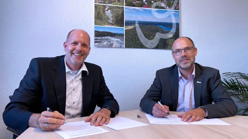 """Stefan Freitag und Christian Carl machen sich stark für umweltschonende Nahwärme im Neubaugebiet """"Auf der Iserkuhle"""""""