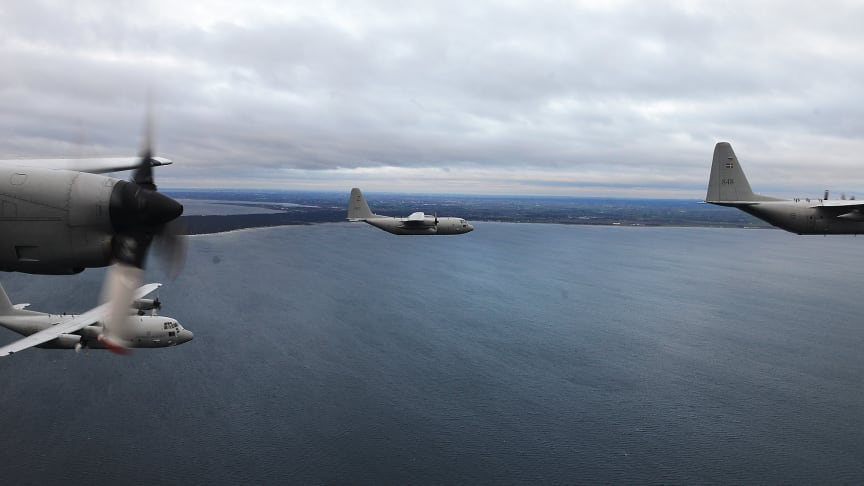 Överflygning och uppvisning för att fira Lidköpings 575-årsdag
