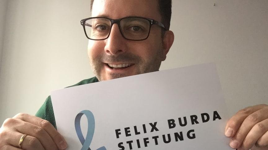 Marketingleiter Carsten Frederik Buchert moderiert live auf facebook