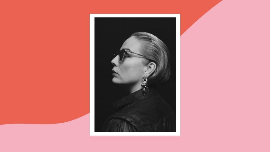 Artisten Jenny Wilson har tillsammans med musiker ur Helsingborgs Symfoniorkester gjort en specialinspelning av hennes låt Opposition.