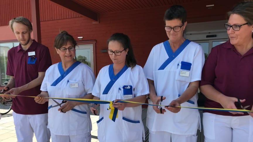 På onsdagen invigdes Almunge vårdcentral. Verksamhetschef Daniela Baretta Furfält och hennes personal kan nu ta emot invånarna i en modern och funktionell vårdcentral.