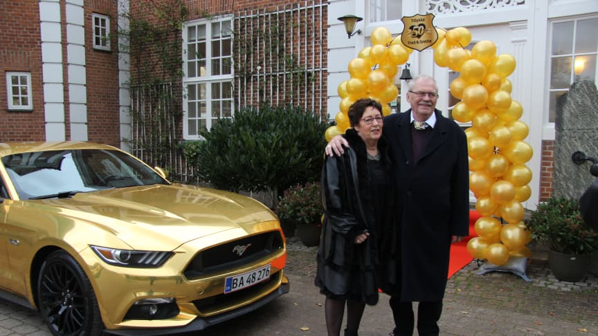 Mustang er med til at skabe minder - Ford overrasker guldbryllupspar