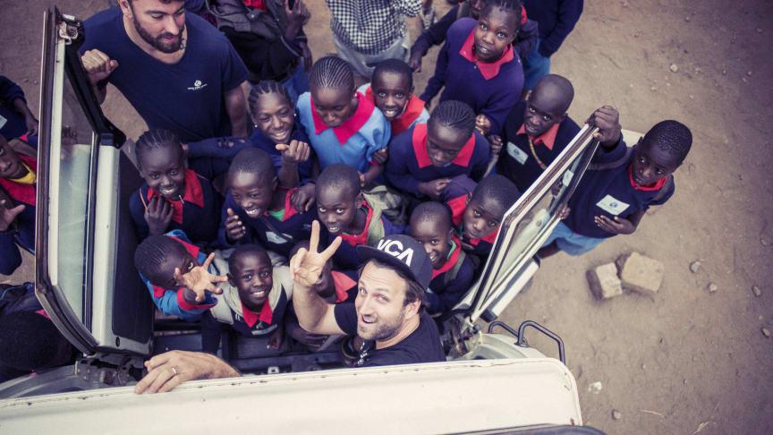 Paul Ripke mit Viva con Agua & Marteria in Kenia
