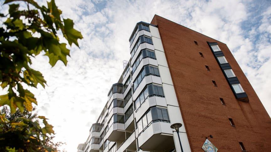 Det råder brist på billiga hyresrätter och hyrorna i Malmö har ökat med 50 procent sedan 2003.