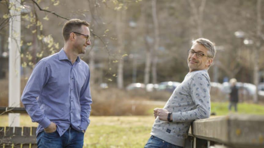 Umeåforskarna Tomas Brodin och Jerker Fick leder årets Forskarhjälp. Foto: Mattias Pettersson