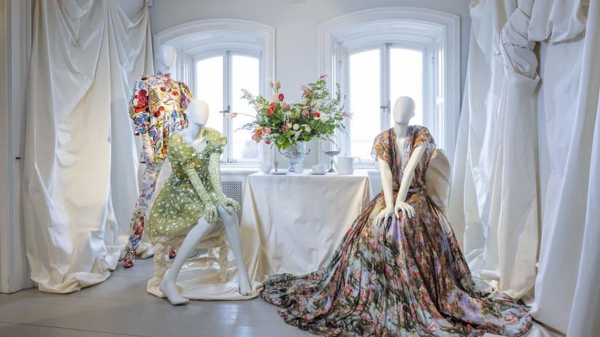 I utställningen visas kreationer av bland andra Stine Goya och Jennifer Blom. Foto: Martin Sörbo