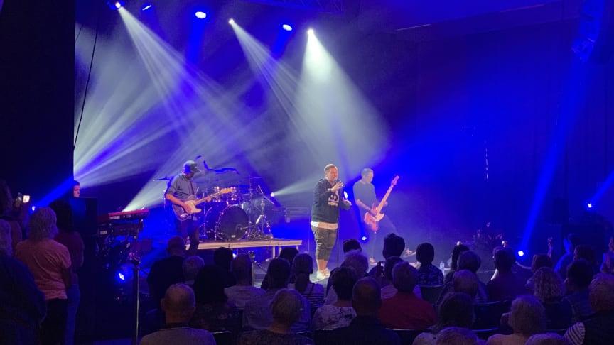 Samuel Ljungblad lockad många besökare till sin konsert på Stora Nolia.