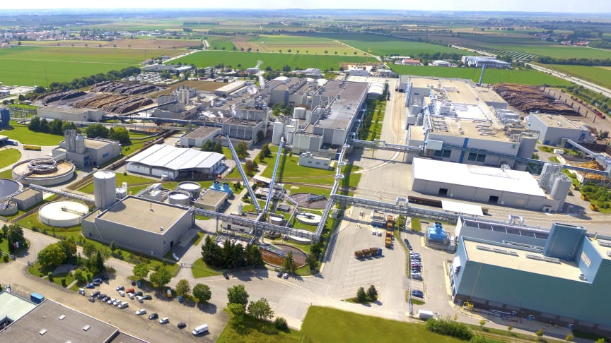 Mehr Strom aus dem Netz beziehen im Sommer, mehr eigenen Strom ins Netz einspeisen im Winter: Die Papierfabrik von UPM in Plattling ist Reallabor im Projekt InFlexLab. Im Jahresverlauf soll mehr grüner Strom regional genutzt werden.