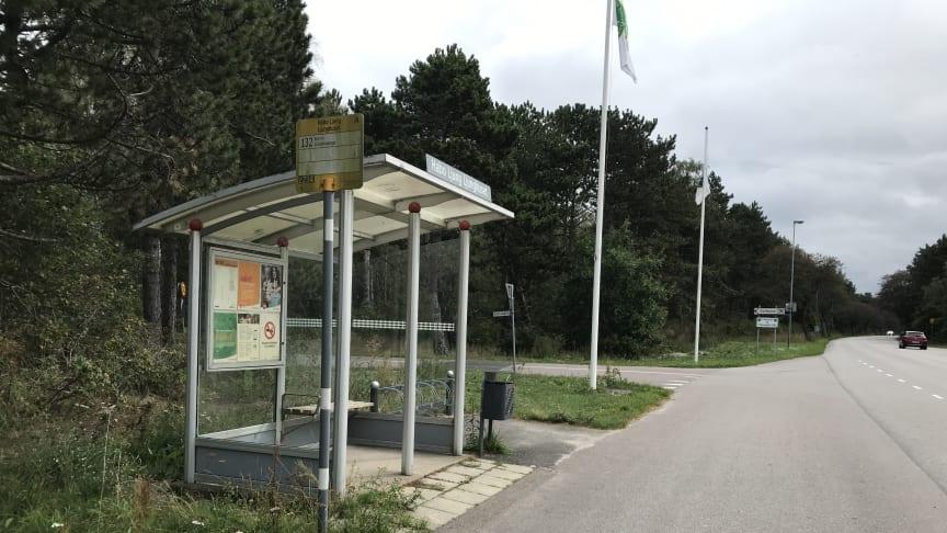 Befintliga busshållplatser vid södra infarten till Habo Ljung.