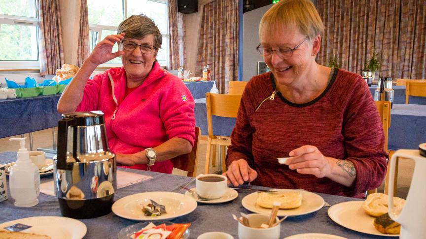 I Karlemoseparken i Køge har de hver uge morgenmadscafé for beboerne