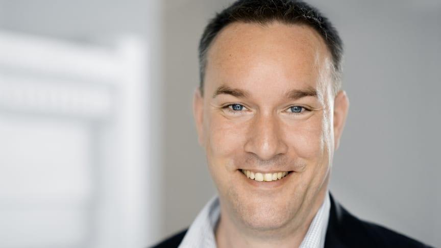 Politisk chef i Dansk Fjernvarme, Rune Moesgaard, glæder sig over de lave priser på fjernvarme