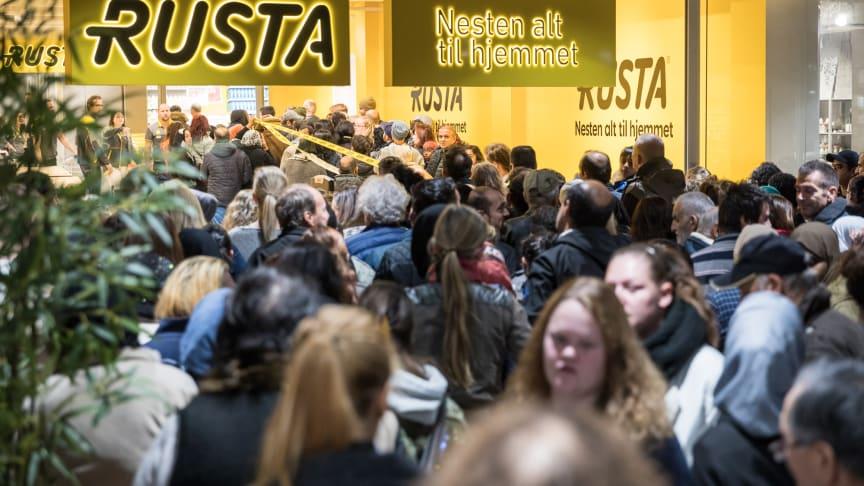 Tror på flere hundre i kø: I morgen åpner Rusta sitt nye varehus i Elverum